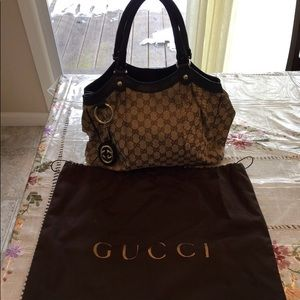 Gucci Sukey GG canvas medium bag